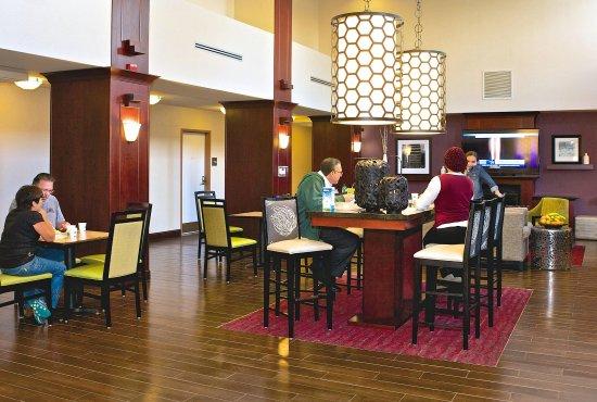 Mill Hall, PA: Lobby Area