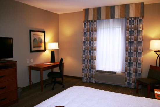 LaPorte, IN:  Guest Room Seating