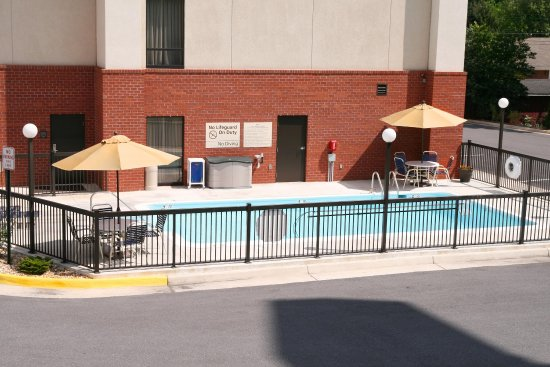 Inwood, Virginia Occidentale: Seasonal Outdoor Pool