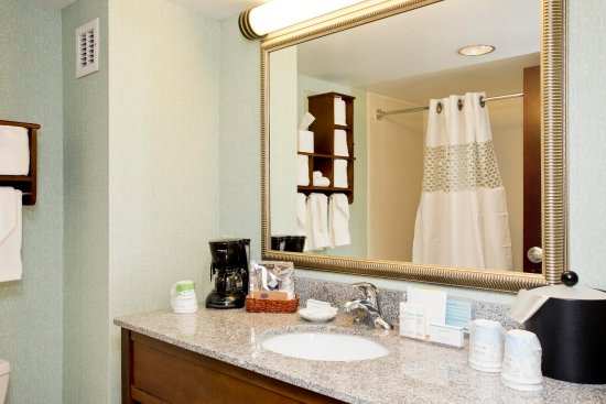 Front Royal, VA: Standard Bathroom