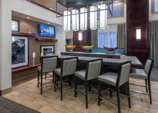 Jackson, TN: Lobby Seating Area