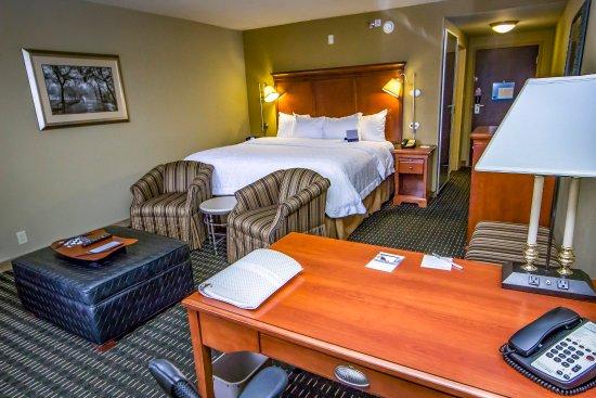 Jackson, TN: Guestroom
