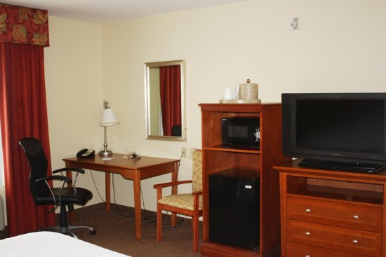 Hampton Inn Clinton: Room Amenities