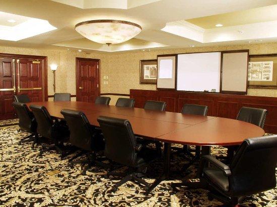 Billerica, MA: Meeting Room