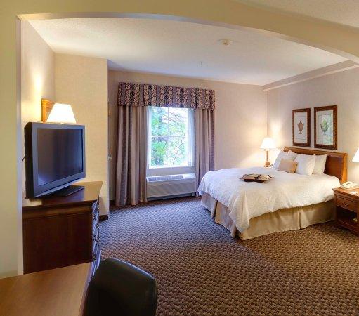 Billerica, MA: King Room