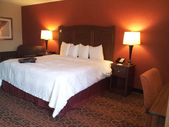 Grove City, OH: King Deluxe Room