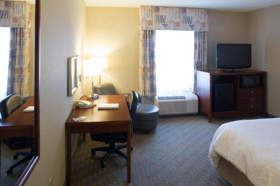 Lewisburg, بنسيلفانيا: King Room Amenities