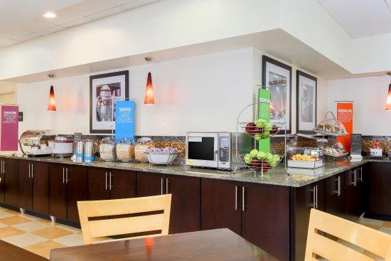 Urbana, IL: Breakfast Area