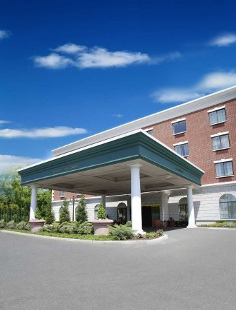 Welcome to Hampton Inn & Suites Rockville Centre