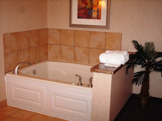 Wilmington, OH: Whirlpool Room