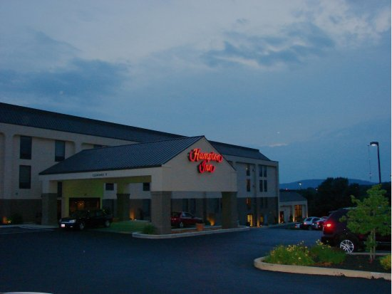 Hampton Inn Harrisburg / Grantville / Hershey: Exterior Night