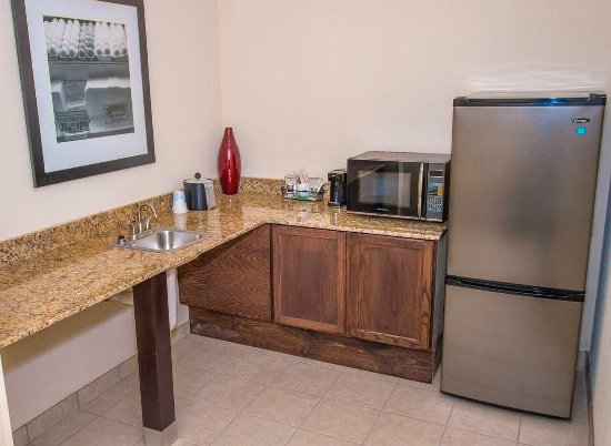 Aiken, ساوث كارولينا: Accessible Suite Kitchen