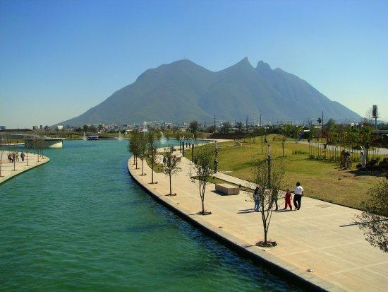 Apodaca, Meksika: Paseo Santa Lucia