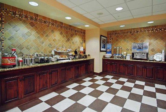 Rogers, MN: Breakfast Food Area