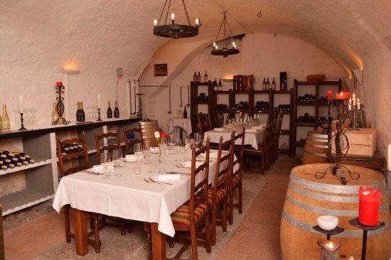 Wettingen, Suiza: Weinkeller