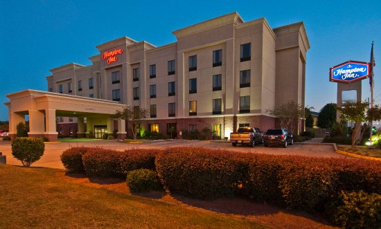 Hampton Inn Canton Exterior Night