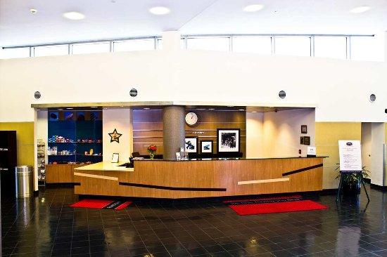 Hampton Inn & Suites Boston Crosstown Center: Hotel Lobby