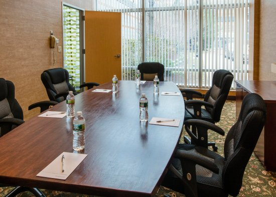 Hampton Inn & Suites Boston Crosstown Center: Executive meeting Room