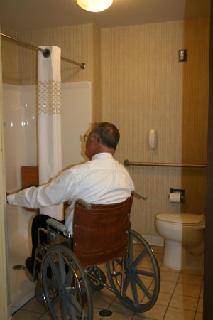 Marshall, MI: Accessible Shower