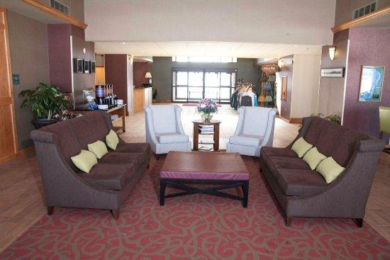 Bemidji, MN: Lobby Seating