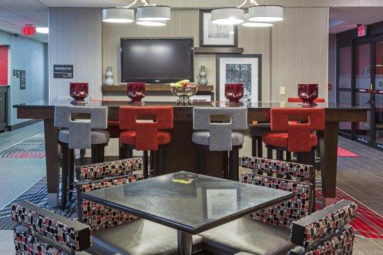 Hampton Inn Columbus/Delaware: Lobby Area