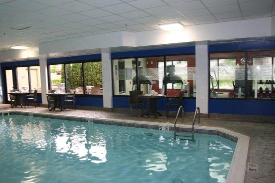 Hampton Inn Elizabethtown: Pool