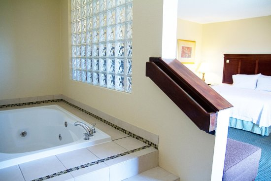 Hampton Inn Norman : Whirlpool Bath Suite