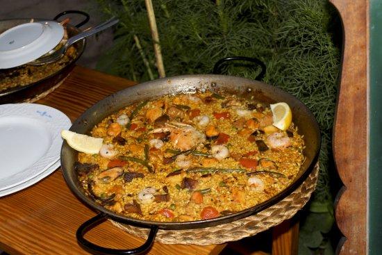 Sineu, Espanha: Paella mit Meeresfrüchten
