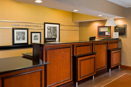 Fairlawn, OH: Front Desk