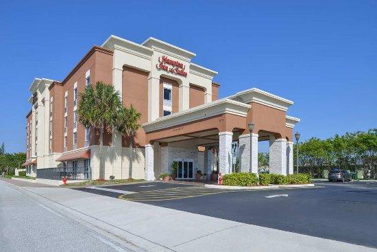 Hampton Inn & Suites Cape Coral/Fort Myers Area: Exterior