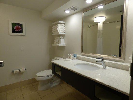 ชาร์ลสตัน, เวสต์เวอร์จิเนีย: Bathroom Vanity