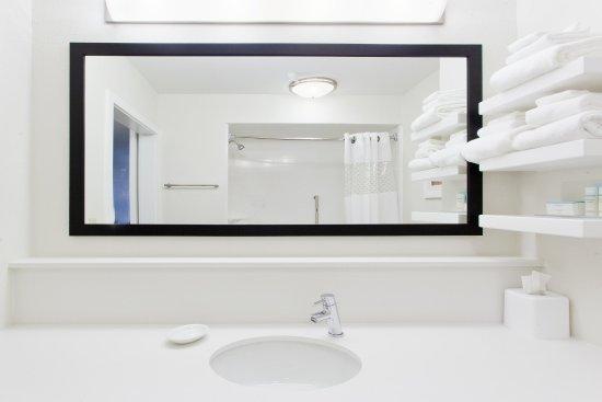 Bremen, جورجيا: Standard Bathroom