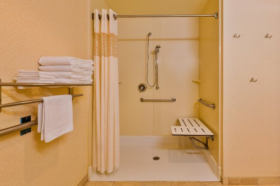Chino Hills, Californien: Accessible Roll In Shower