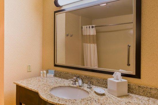 Chino Hills, แคลิฟอร์เนีย: Standard Bathroom
