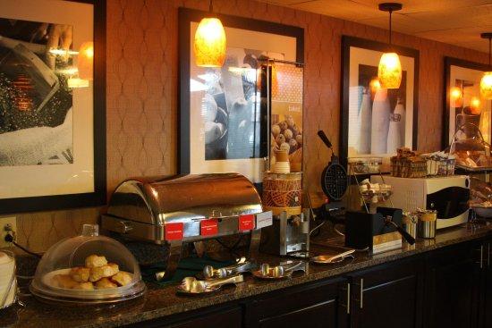 Russellville, AR: Breakfast Bar