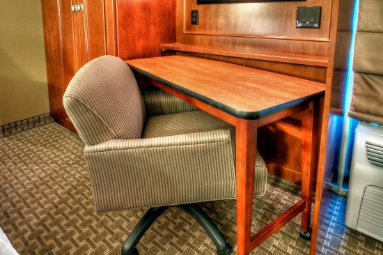 Hampton Inn Franklin: Work Desk