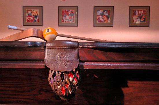 Hampton Inn & Suites Annapolis: Enjoy a game of billiards at our hotel.