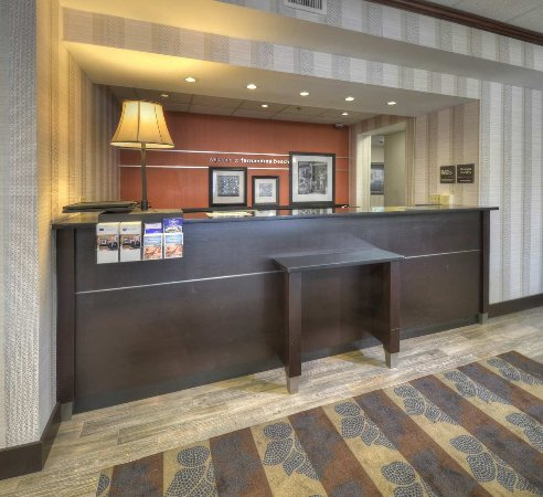 Hampton Inn Amelia Island at Fernandina Beach: Reception Desk