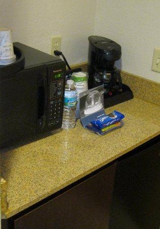 هامبتون إن آند سويتس بوينتون بيتش: Microwave & Coffee Maker