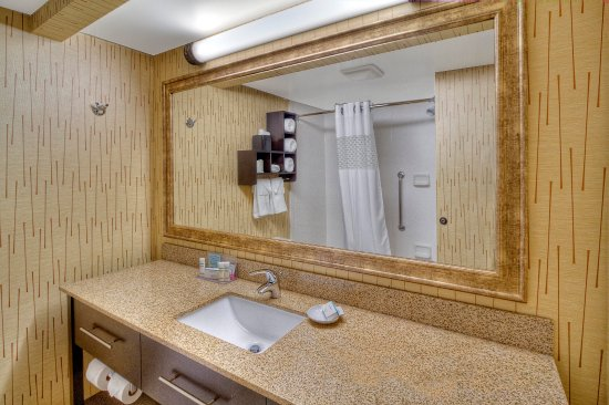 Johnstown, PA: Standard Bathroom