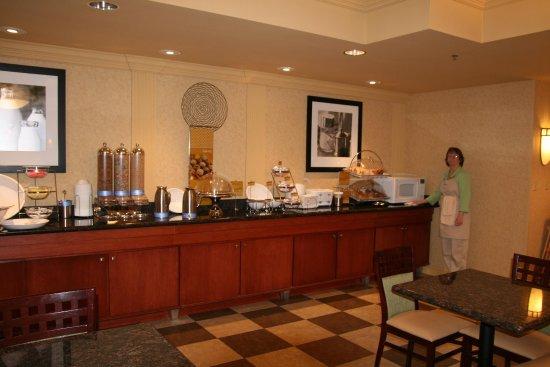 Mount Vernon, Ιλινόις: Breakfast Serving Area