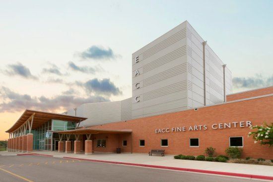Forrest City, AR: East Ark Community College Fine Arts Center