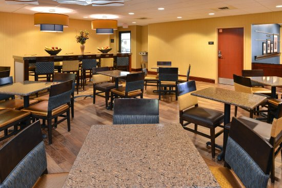Fishkill, estado de Nueva York: Lobby Area, Tables