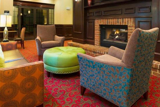Fletcher, Carolina del Norte: Lobby Fireplace