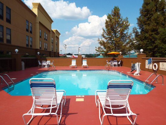 Hampton Inn Jackson Clinton Outdoor Pool