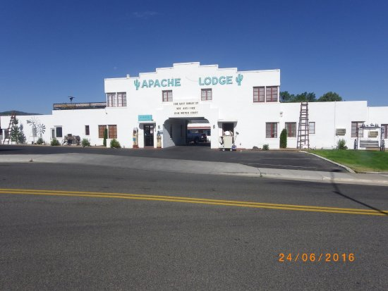Apache Lodge: Ingresso.