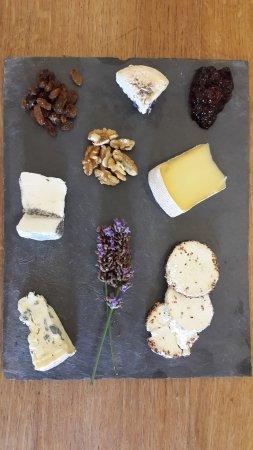 Montsoreau, França: Grande ardoise de fromages bios