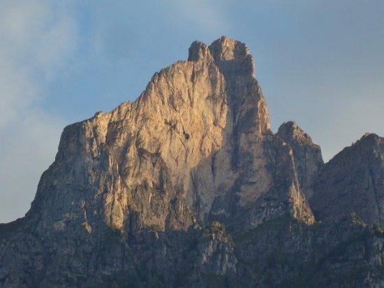 Monte Cernera: La parete alle prime luci del giorno