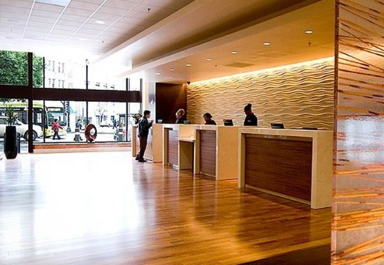 Oakland Marriott City Center: Lobby