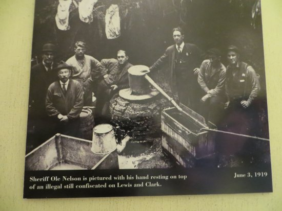 Oregon Film Museum: Newspaper clipping
